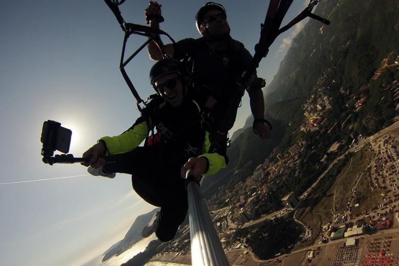 the best paragliding tandem flight in Montenegro with paragliding montenegro team