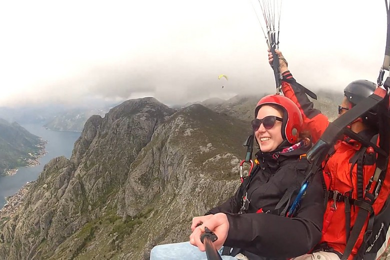 We in paragliding Budva Montnengro fly on coastal and mountain tandems at a variety of locations depending on the conditions.