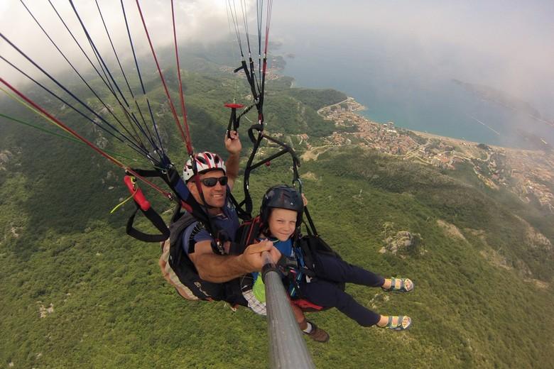 paragliding montenegro offer flight for kids