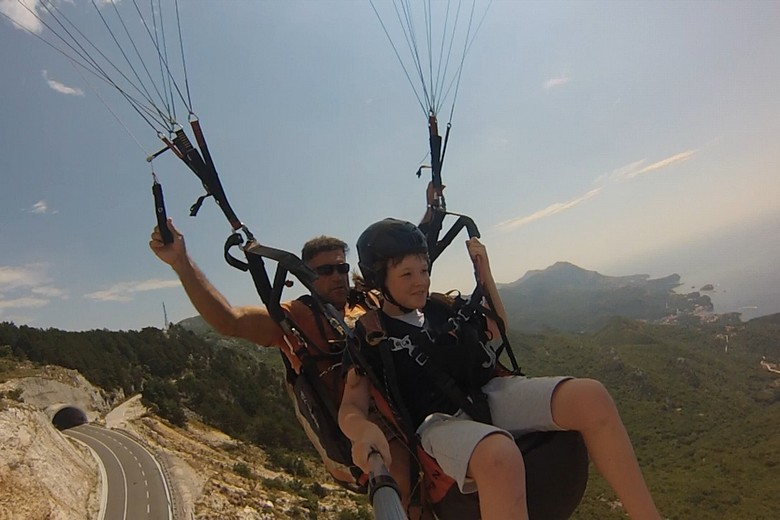 Budva paragliding flight for kids