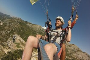 Montenegro-Budva-paragliding